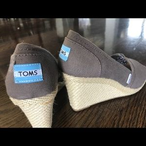 Toms Stella wedge in grey
